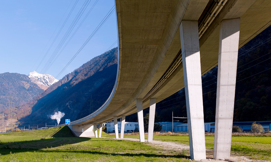 Viaduct over the A9