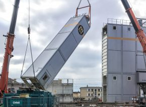 Installation of the concrete mixing plant on the ELMU construction site
